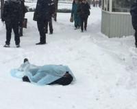 На остановке в Рославле скончался мужчина