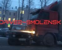"""В областном центре """"поцеловлись"""" Нива и грузовой автомобиль"""