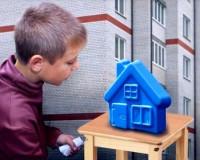 Сироте из Смоленской области дали квартиру, непригодную для жилья