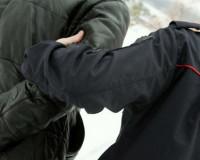 Отец школьницы обматерил и избил майора полиции