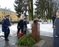 В Смоленске появился памятник Герою России