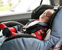 5-месячный малыш оказался запертым в автомобиле