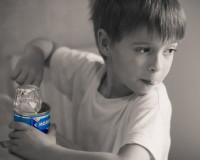 Детей Симферополя кормили фальсифицированной сгущенкой