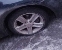 """Смоляне продолжают """"убивать"""" свои автомобили в дорожных ямах"""