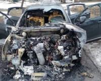 После ремонта в СТО воспламенилась иномарка