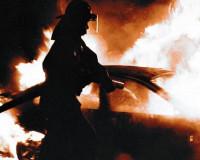 В Смоленске огонь повредил четыре автомобиля
