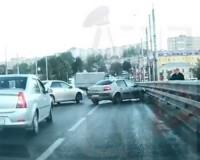 Момент массовой аварии на Пятницком путепроводе попал на видео