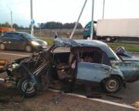 В серьезной аварии на трассе пострадали люди