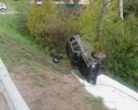"""В Смоленске """"Патрол"""" вылетел в кювет в результате аварии"""