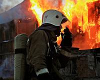 Под Смоленском в крупном пожаре погибли два человека