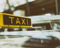 Водитель такси стал жертвой своего клиента