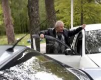 Бывший директор центра занятости населения устроил скандал на месте аварии (видео 18+)