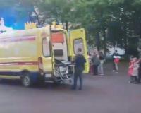 В Смоленске ребёнка увезли на «скорой» с детской площадки