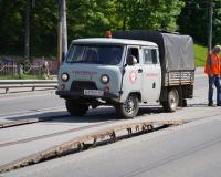 На мосту в Смоленске вздыбились трамвайные рельсы из-за жары