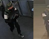 В Смоленске мужчина украл из магазина кассовый аппарат с выручкой