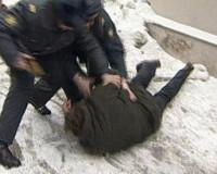 Смолянин металлическим прутом избил сожительницу