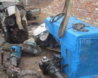 Жители Смоленской области разобрали трактор, остановленный без присмотра