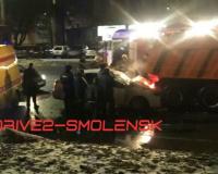 Автомобилиста зажало в салоне авто после аварии на проспекте Гагарина в Смоленске