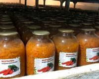 В колонии под Смоленском производят консервированную морковь