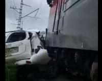 Последствия смертельного ДТП с поездом под Смоленском (видео)