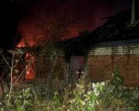Неустановленные лица случайно подожгли дом матери-одиночки