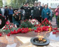 В Сквере Памяти Героев зажгли Вечный огонь