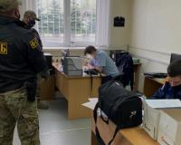 В Смоленске провели обыски у задержанного автоинспектора (видео)