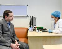 Губернатор Смоленской области повторно вакцинировался от коронавируса