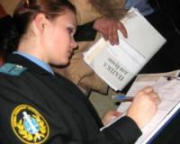 Среди торговцев Киселевского рынка приставы обнаружили семь должников