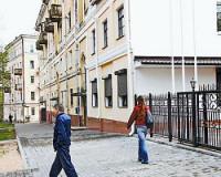 В Смоленске от рук вандала пострадало отделение посольства Белоруссии