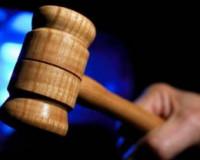 Двое ярцевчан отправятся в тюрьму за избиение милиционера и ограбление
