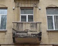 Смоляне противятся бесплатной замене своих балконов на новые