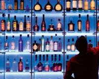 """Опьянев от похищенного алкоголя, вор """"отключился"""" рядом с местом преступления"""
