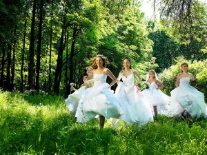 Парад невест в г. Смоленске: праздник наших главных ценностей