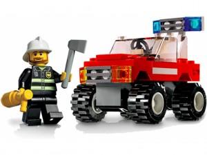 Смоленские детишки выбирают конструктор Лего