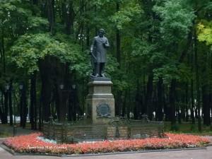 Деревья и цветы парка «Блонье» — оазис среди зеленого Смоленска