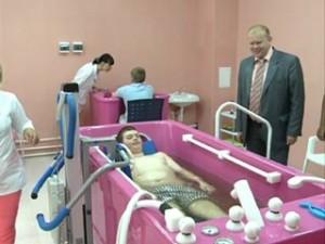 Для детей-инвалидов в Смоленске открылась водолечебница