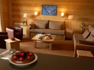 Уважающая себя компания, производитель мебели, работает с качественной древесиной
