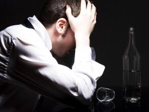 Количество людей, страдающих от алкоголизма, в смоленской области оказалось на 23 % больше, нежели чем в других областях