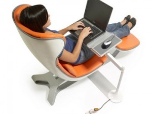 Кресло для компьютеров — один из самых популярных товаров в мебельной сфере