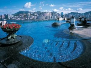 Гонконг – город современных технологий, развивающихся на фоне древних традиций