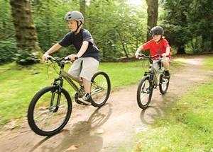 Чем полезны и вредны детские велосипеды