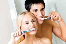 С помощью каких средств можно ухаживать за полостью рта?