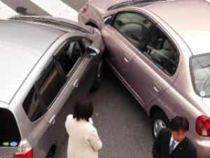 Как должен вести себя водитель после ДТП