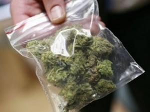 В Смоленской области молодой человек в спальне хранил марихуану