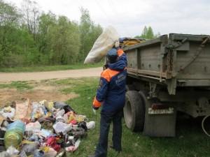 В Смоленской области призывают очистить берега водоемов от мусора, накопившегося за лето