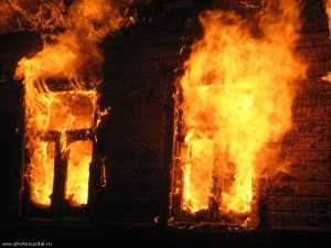 Гараж загорелся в Гагарине Смоленской области
