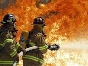 При пожаре в Смоленске пострадали две женщины