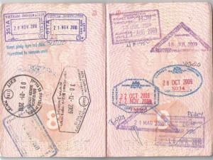 Закончились страницы, а загранпаспорт еще годен — что делать?