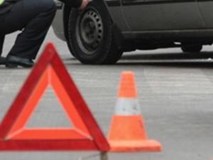 Водитель «Лада Калина» врезался в столб в Смоленской области